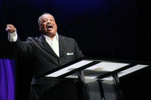 Fred Luter encourages listeners at the SBC Pastors' Conference in Houston.