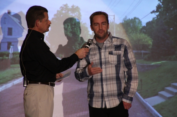 IBSA's Van Kicklighter (left) interviewed Alton church planter Steven Helfrich during the worship service focused on Mission Illinois: Churches Together Advancing the Gospel.