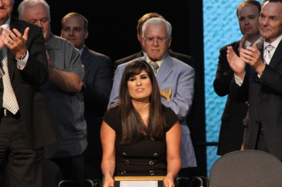 Naghmeh Abedini receives a standing ovation after accepting the Richard Land Award for Distinguished Service from the ERLC on behalf of her imprisoned husband, Saeed.