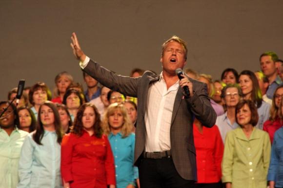Charles Billingsley, worship pastor at Thomas Road Baptist Church in Lynchburg, Va., led music during the Tuesday night revival service.