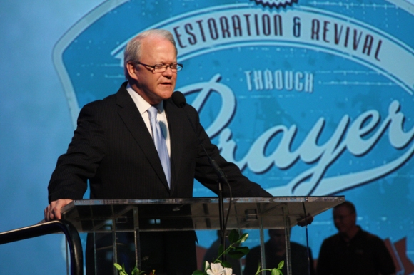 Frank Page, president of the Southern Baptist Executive Committee, led part of a 45-minute prayer meeting during Wednesday's business session.