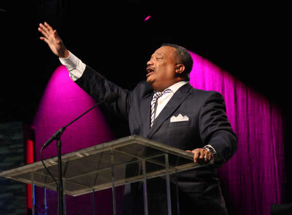 Fred_Luter_preach_2
