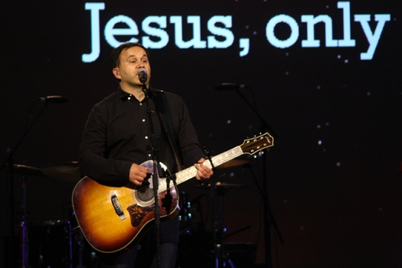 Matt Redman, author of numerous praise anthems sung around the world, led in worship at the SBC Pastors' Conference prior to the start of the annual meeting.
