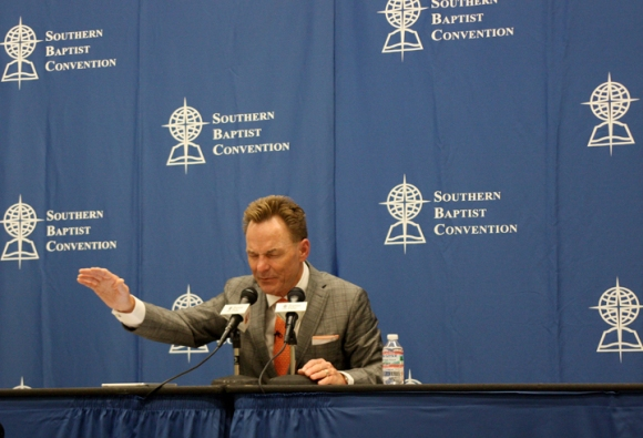 Newly elected SBC President Ronnie Floyd prays for the Convention during a post-election press conference.