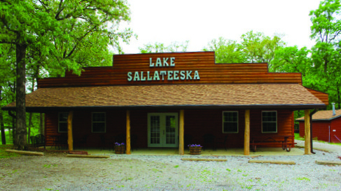 Lake Sallateeska dining hall